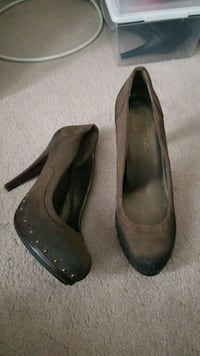 Dark Brown heels  Ajax, L1T 0C4