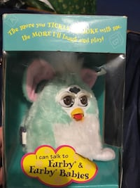 Green and white furby plush toy box Kingston, 18704
