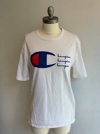 White Champion Tee Chicago, 60642