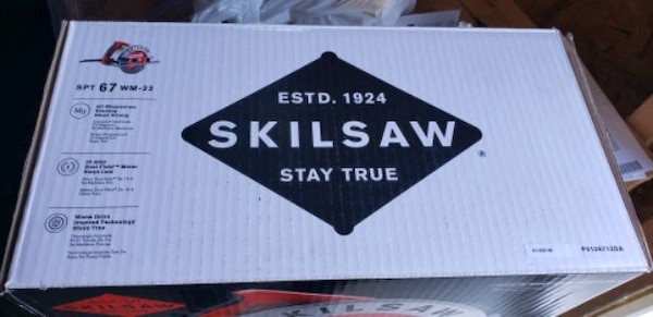 Left-handed Skilsaw circular saw  48273be6-c07d-470a-9150-4f42f2c2ebcd
