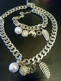 Pearl Charm Necklace Set!!
