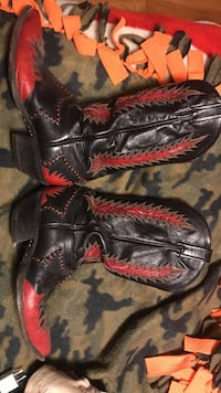 Black-and-red dyed armadillo skin cowboy boots Manchester township, 17406