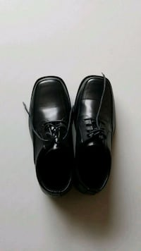 Mens pair of black leather dress shoes Woodbridge, 22192