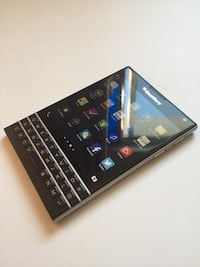 A++ **Blackberry Passport** (Free Accessories included!) Smartphone Montréal, H4L