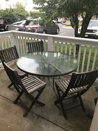 Patio glass table with 4 chairs 日耳曼敦, 20874