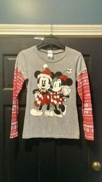 Disney Mickey Mouse and Minnie Mouse shirt