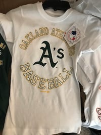 Girls Oakland Athletics shirt