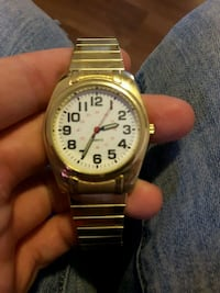 round gold-colored analog watch with link bracelet Eastern Passage, B3G 1H8