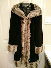 Small Bedo faux fur trimmed coat Brampton, L6P