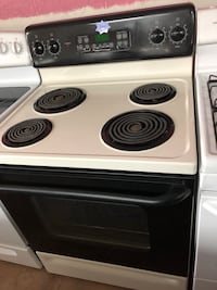 GE black and beige electric coil range stove  Woodbridge, 22191