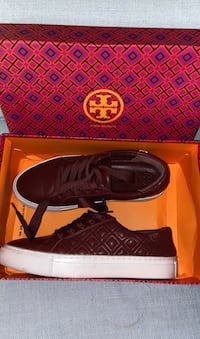 torry burch sneakers maroon size 6.5 Gaithersburg, 20878