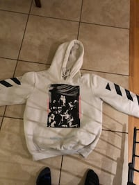 Off white sweater New Tecumseth, L9R 1M4