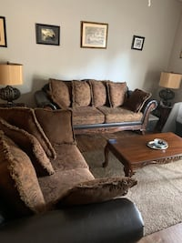Couches ,tables and lamps (a few more things)  Brandon, 39042