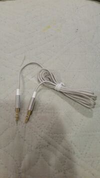 Audio auxiliary cable 3.5mm.