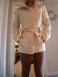 Le chateau cream coat xxs Port Coquitlam, V3C 5C1