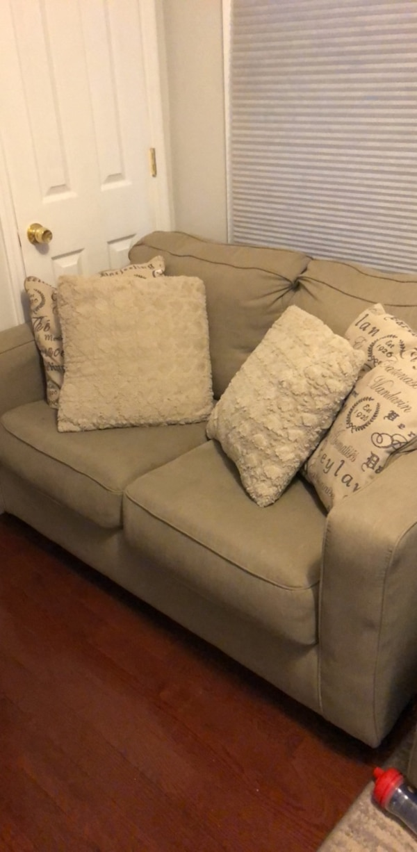 Bayonne Icinde Ikinci El Satilik Ashley Furniture Loveseat Letgo