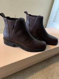 Cole Haan Signature Boots (9) Silver Spring, 20910