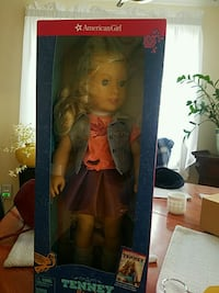 Brand new American girl doll, still in box with her Tenny book