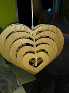 brown wooden heart cut-out zoomer (centre light)