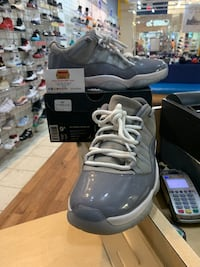 Air Jordan 11 Cool Grey Lows Size 9.5