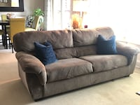 Couch - Beautiful and clean Troy, 48083