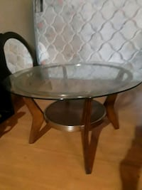 Perfect condition Glass top coffee table  300 mi
