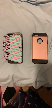 Two black and pink iphone cases Elizabethtown-Kitley, K0G