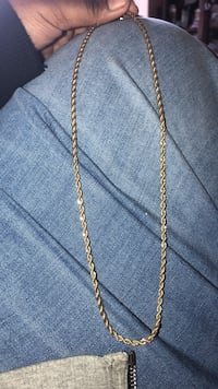 gold chain-link necklace New York, 11207