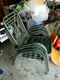 4 green outdoor chairs Olathe, 66062
