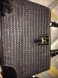 Name branded purse Cleveland, 13042