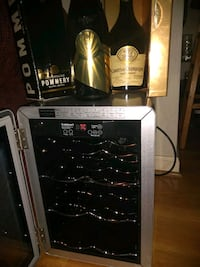 Cuisinart wine Cooler with 3 bottles Vintage Frenc Annandale, 22003
