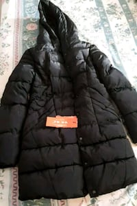black zip-up bubble jacket Winnipeg, R3T 6B1