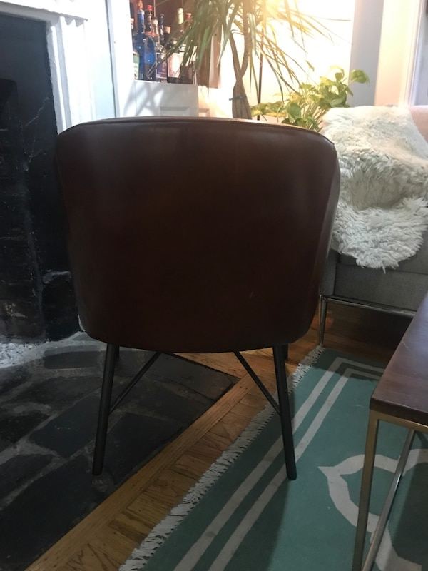 Excellent quality West Elm leather chair f9066496-e01b-4371-a40f-b32192a70756