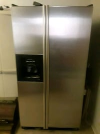stainless steel side by side refrigerator with dis Los Angeles, 90029