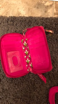 pink leather crossbody bag and wristlet Oakfield, 38362