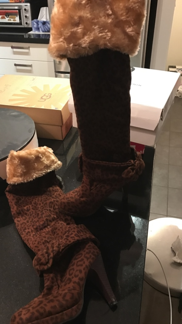 White fur line brown and black suede heeled thigh high boots  b9ec9146-74d3-49cd-a941-bb80e3a8d8ff