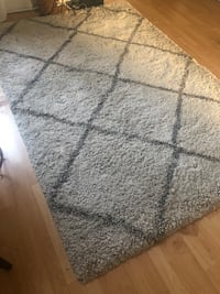 Area rug contemporary style New York, 11103