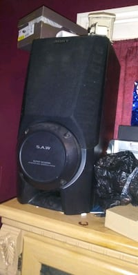 I. Selling these s.o.n.y s.a.w super subwoofers Detroit, 48234