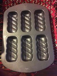 3 Wilton baking pans, never been used in excellent condition Hayward, 94544