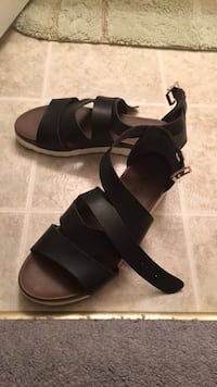 pair of black leather open-toe wedges Waverly Hall, 31831