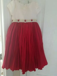 Girl's holiday dress with pearls and diamante Sz 4 37 mi