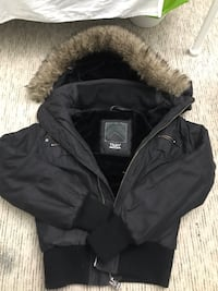 TNA WINTER JACKET // SIZE SMALL // EVERYTHING IS GOOD ONLY THE SIZE TAG IS RIPPED Toronto, M2R 3N7