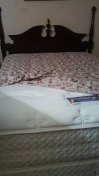 1000 OBO in very good condition the matress like n Albuquerque, 87105