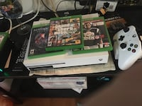 Xbox one console with controller and game cases Upper Paxton, 17061