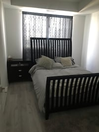 Queen size bed with mattress Kleinburg, L4H 1C0