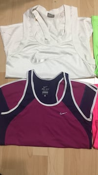 Nike work out tops size small