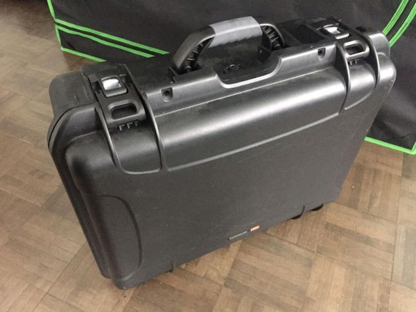 Camera stabilizer and hard case  4b6aa388-b491-4dcb-89a8-833fd6572a37