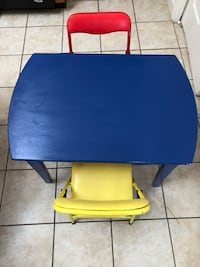 Kids Table with 2 Chairs Frederick, 21702