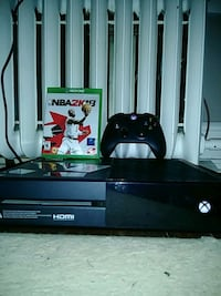 Xbox One console with wireless controller and 2k18 Reading, 19606