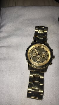 round gold chronograph watch with link bracelet Langley, V2Z 1A9